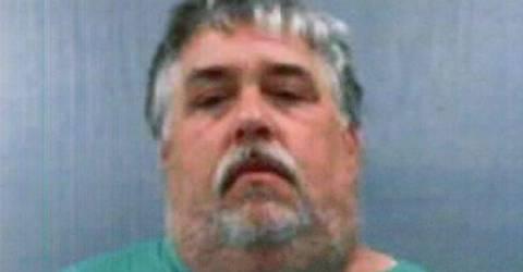 ABD'de bir evde 8 ila 10 bin arasında silah yakalandı