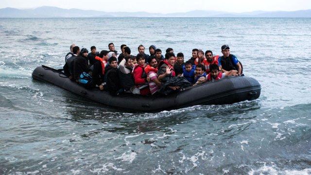11 göçmen boğularak öldü