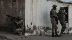 Derik'te 15 teröristin öldürüldü
