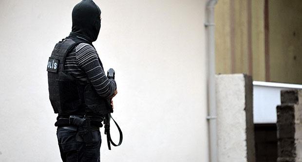 Gözaltına Alınan 17 Kişiden 8'i Tutuklandı