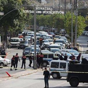 Gaziantep'te Polis Aracına Bombalı Saldırı Girişimi